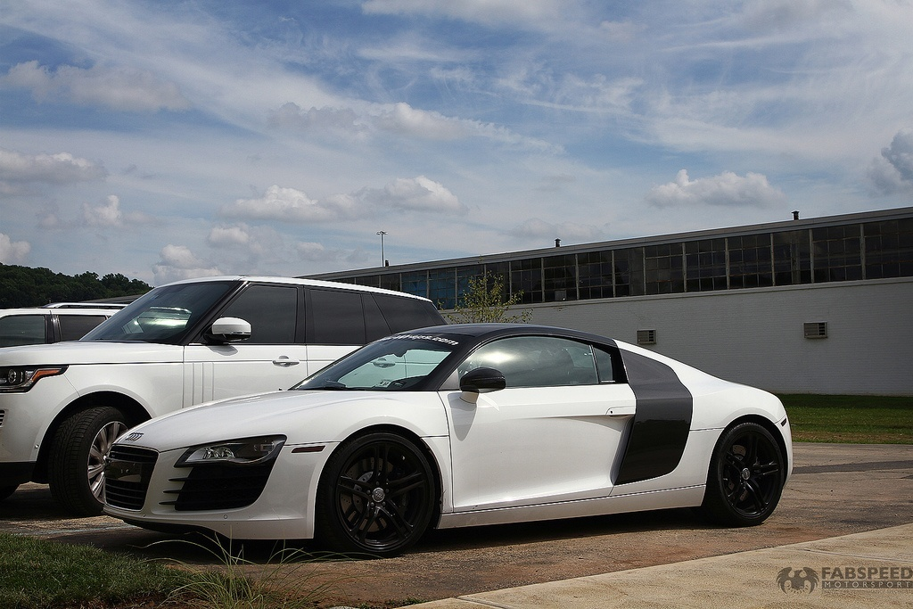 Audir8 White03 Foreign Affairs Motorsport